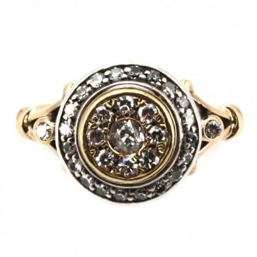 Anello toppa in oro e diamanti