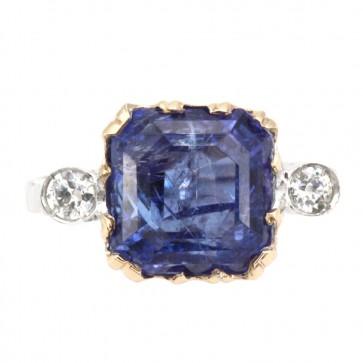 Anello oro, tanzanite e diamanti