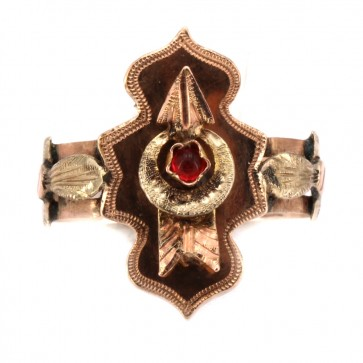 Anello antico cesellato a mano oro