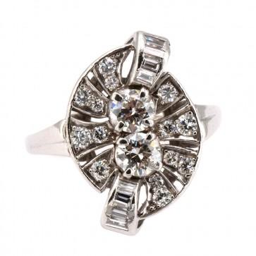 Anello antico anni '40, platino e diamanti