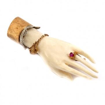 Spilla mano antica scultura avorio, oro, rubino e topazi