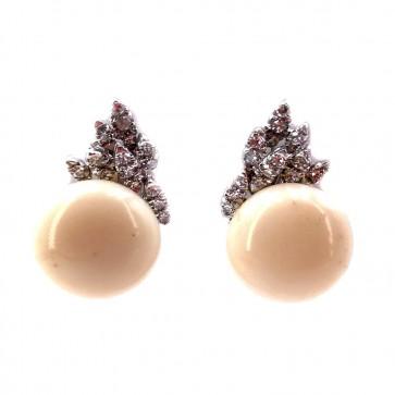 Orecchini maxi bottone corallo rosa, oro e diamanti