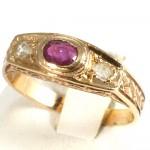 Anello antico uomo oro, rubino -0,20-0,25 ct- e diamanti -2,9 gr