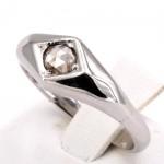 Anello uomo fascia/solitario oro e diamante  - 0.10-0.15 ct ; 4.02 gr