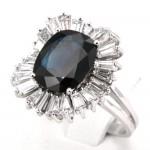 Anello maxi margherita oro, zaffiro - 3.90 ct - e diamanti taglio teps - 1.40-1.60 ct ; 6.26 gr. Certificato IGI n. 49519