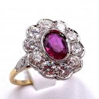 Anello margherita di rubino - 1.10 ct - e diamanti - 1.60 ct; 3.98 gr
