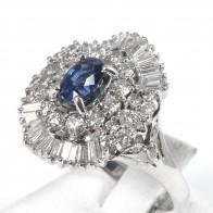 Anello in stile maxi margherita oro, zaffiro - 1.35-1.40 ct e diamanti - 1.95-2 ct; 8.9 gr