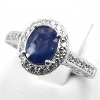 Anello margherita ovale zaffiro - 1.51 ct - e diamanti - 0.60 ct; 4.99 gr