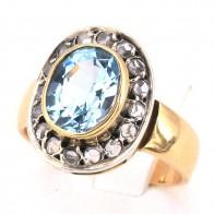Anello toppa in stile oro, topazio azzurro e diamanti -0.60 ct; 7.3 gr