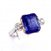 Anello in stile oro, tanzanite -10.00-10.50 ct- e diamanti -0.35-0.40 ct; 4.12 gr