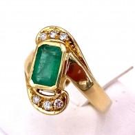 Anello oro, smeraldo - 2.5-3.0 ct - e diamanti - 0.18 ct ; 6.58 gr