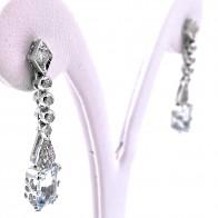 Orecchini pendenti oro, diamanti -0.33-0.40 ct- e acquamarina 5-6 ct- 3.3 cm; 5.86 gr