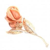 Maxi spilla/ciondolo artistico in stile oro, rosa di corallo rosa, e diamanti; 33.7 gr