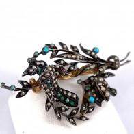 Spilla antica ramo con uccellini, in oro , argento, microperle e turchese -4.65 gr; 4.5 cm x 2.4 cm. Periziato.