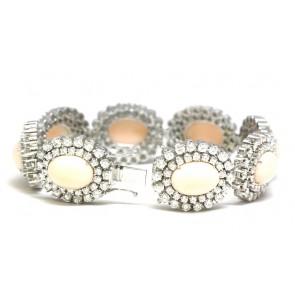 Bracciale capolavoro oro, 8 margherite corallo pelle d'angelo e diamanti - 18,72 ct -