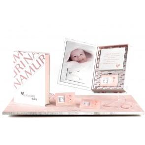 Diamante certificato, su ciondolo plexyglass, con calco argilla per bebè. Angelo rosa.