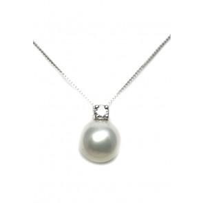 Ciondolo oro,  perla giapponese e diamante