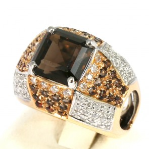 Anello cupola oro, quarzo fumé -43 t- e diamanti -0,72 ct; 16,5 gr