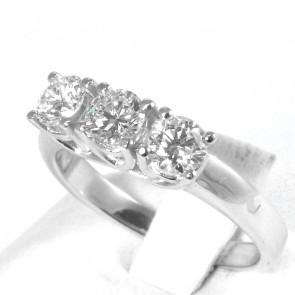Anello trilogy oro e diamanti -1,11 ct; 4,8 gr