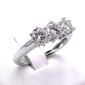 Anello trilogy oro e diamanti - 1.63-1.65 ct, G VS; 3.94 gr