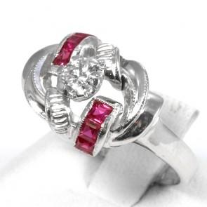 Anello,  in stile oro, rubini -0,25-0,30 ct - e diamante solitario - 0,20-0,22 ct
