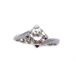Anello solitario, montatura modello valentino, oro e diamante taglio antico
