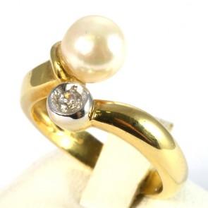 Anello contrarié oro, perla giapponese da 7,5 mm e zircone - 6,19 gr