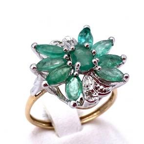 Anello composizione simil fiore oro, argento, smeraldi - 2.0-2.3 ct - e mini diamantini; 3.74 gr