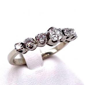Anello riviera oro, montatura in stile e 7 diamanti taglio antico - 0.95-1.00 ct; H VS/SI; 3.28 gr