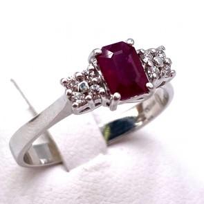 Anello RE CARLO oro, rubino rettangolare - 0.80-0.85 ct - e diamanti - 0.08-0.10 ct ; 3.65 gr