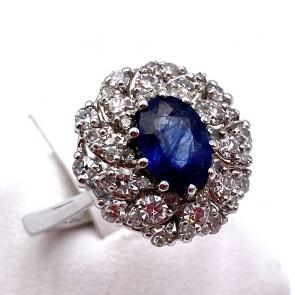 Anello margherita zaffiro - 2.20-2.40 ct - e diamanti - 1.10-1.20 ct; 6.5 gr