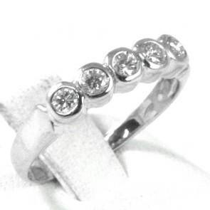 Anello riviera, oro e 5 diamanti taglio brillante - per 0,28-0,35 ct; 2,8 gr