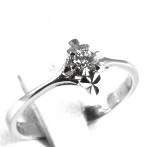Anello solitario, montatura doppio trifoglio, oro e diamante - 0,15-0,18 ct; 2,81 gr