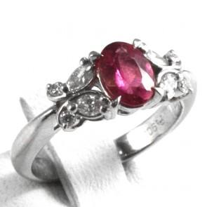 Anello platino, tormalina -  0,71 ct - e diamanti  - 0,26 ct; 5 gr