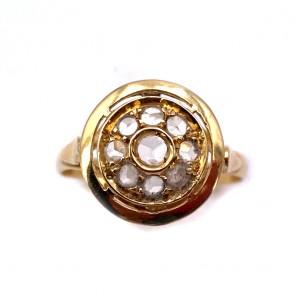 Anello toppa circolare in stile, oro e diamanti
