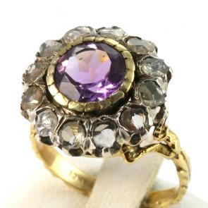 Anello toppa circolare in stile, oro, diamanti -0.70-0.80 ct- e ametista -6.4 gr