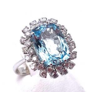 Anello margherita oro, acquamarina - 5.4 ct - e diamanti - 0.95 ct; 6.88 gr