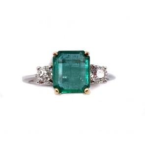 Anello oro, smeraldo - 2.6 ct - e diamanti