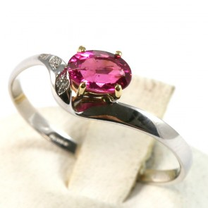 Anello oro, rubellite e diamanti -  0.01-0.03 ct; 1.4 gr
