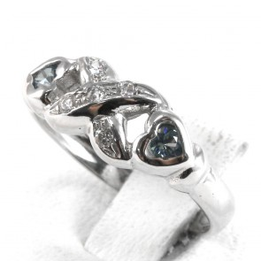 Anello fascia oro infinito di zirconi e pietre di sintesi cuori azzurri; 2.85 gr