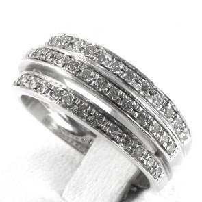 Anello fascia tripla, oro e diamanti taglio brillante - 0.60-0.65 ct; 5.5 gr