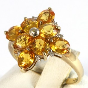 Anello fiore, oro e topazi e diamantini -2.8 gr