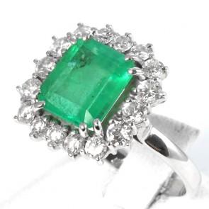 Anello maxi margherita, oro, smeraldo - 4.33 ct e diamanti -1.40-1.60 ct;  7.4 gr