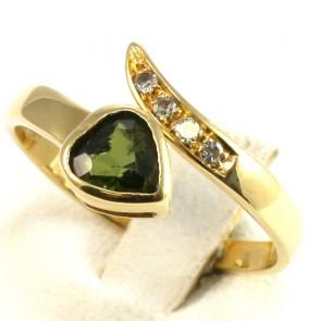 Anello contrariè in oro, peridoto a a cuore e diamanti -0.06-0.08 ct; 3.8 gr