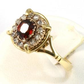 Anello margherita in stile oro, granato e diamanti - 0.45 ct - 6.2 gr. Antico.