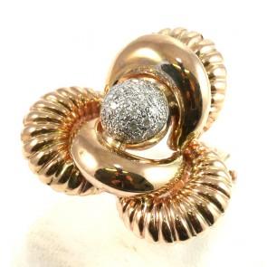 Anello maxi oro in stile con diamanti - 0.29 ct; 10 gr