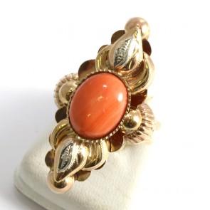 Anello maxi spola oro in stile con corallo e diamanti - 0.10 ct; 7.3 gr