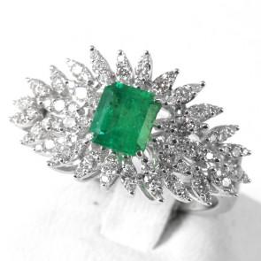 Anello capolavoro oro, smeraldo - 1.05 ct - e diamanti - 1.92 ct; 6.3 gr