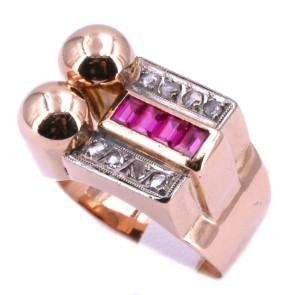 Anello ponte antico, art deco, oro, diamanti e rubini; 6.87 gr