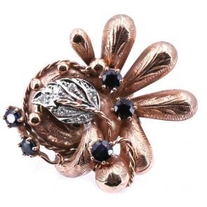 Anello maxi oro in stile con diamanti e zaffiri